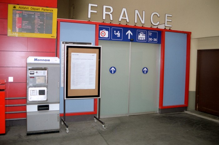 entry to Basel SNCF
