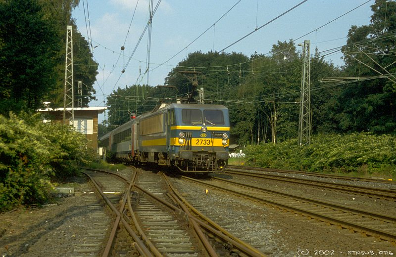 SNCB 2733 reaching the top