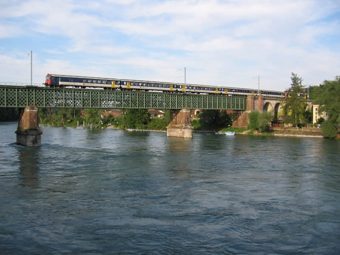 SBB class 540 passing the Rhine