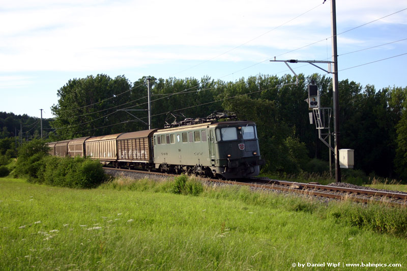 Ae 6/6 next to Lotstetten