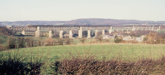 CFL class 18 passing Moresnet viaduct