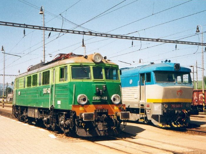 Change of locos at Plavec