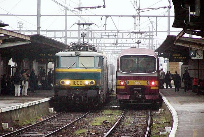 pictures/sncb-polycourants/1606-20021003-leuven-1.jpg