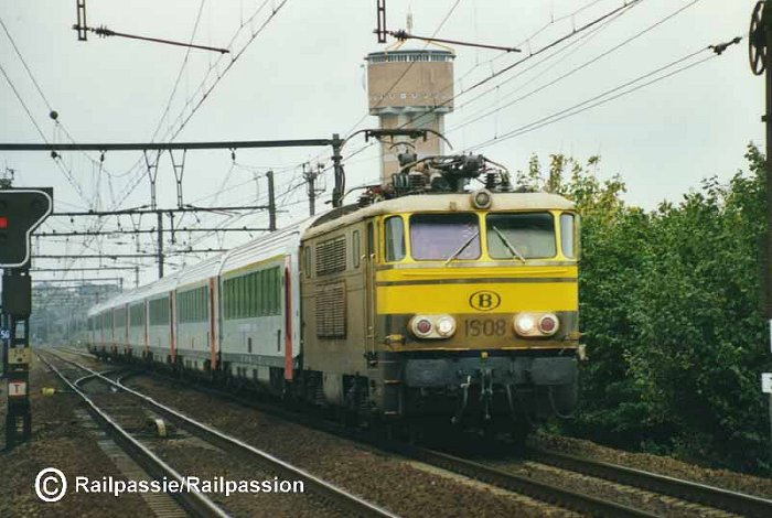 pictures/sncb-polycourants/1608-20011027-melle-1.jpg