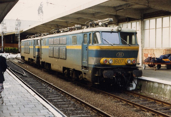 pictures/sncb-polycourants/16xx-19880605-oostende-1.jpg