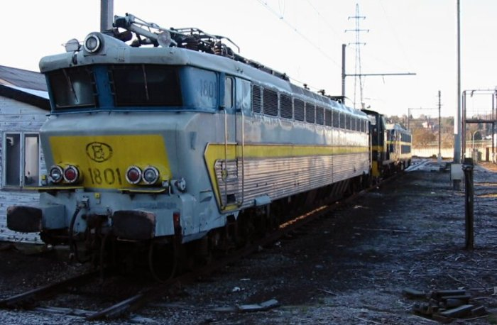 pictures/sncb-polycourants/1801-20021219-salzinnes-1.jpg